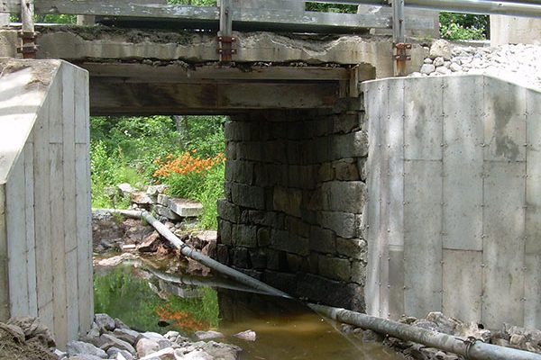 concrete-invert-lining-for-culverts